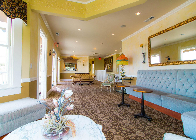 Harbor View Lounge